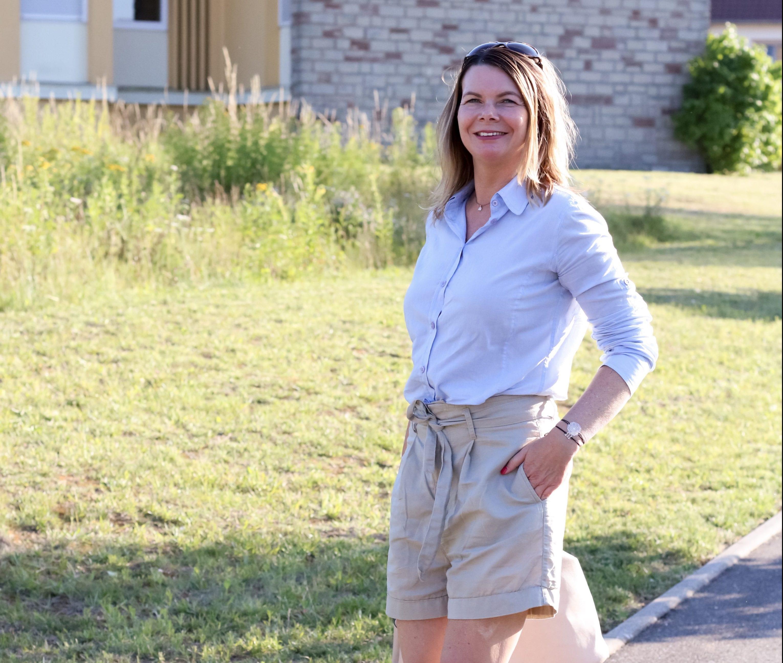 Wie du Shorts im Büro trägst – ohne deine Mutter zu blamieren