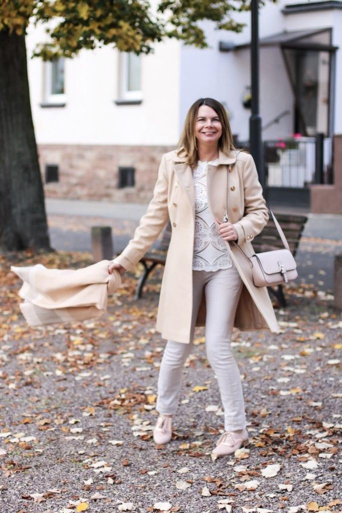 Beiger Herbstmantel von Miss selfridge