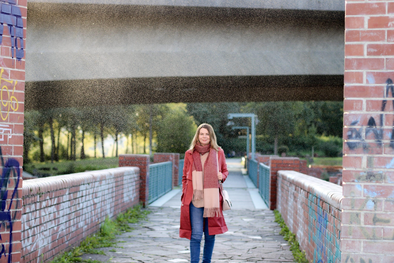 Herbstmode 2017: Roter Parka von anna & ella