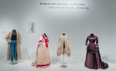 Stadtmuseum Simeonstift Trier – Sonderausstellung: Um angemessene Kleidung wird gebeten