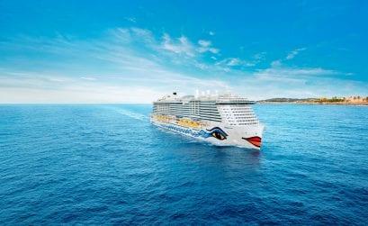 AIDAnova als erstes Kreuzfahrtschiff mit blauem Engel ausgezeichnet